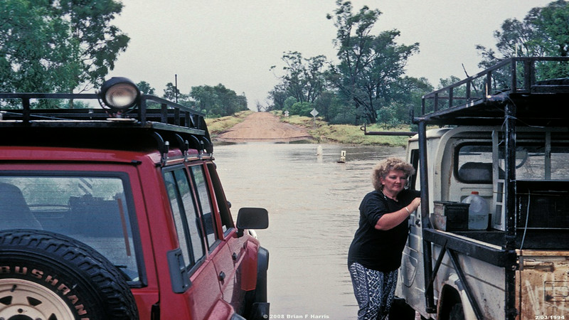 2/03/1994 Winton Creek floods just for the one day. Barbara with Maveric (Ford-Nissan) & Diahatsu