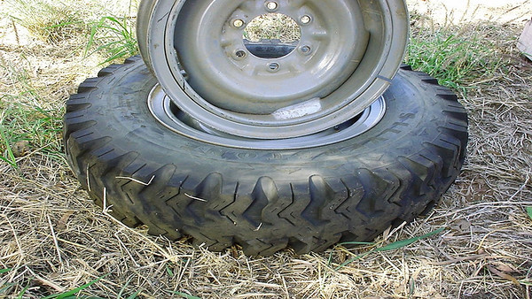 Silverstone almost bullet proof tyres for the very successful Kimberley WA, NT Portmans 4x4 tour '01